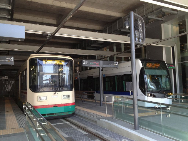 富山路面電車乗り場