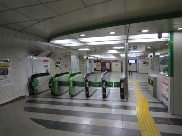 新宿jr中央東口出場側