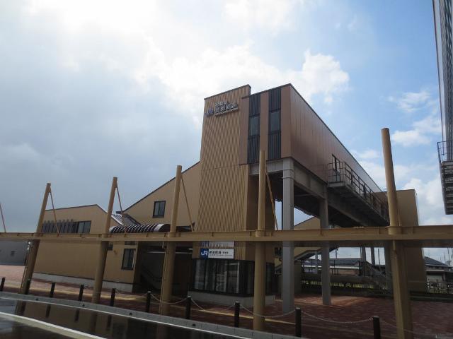 新高岡 城端線駅舎