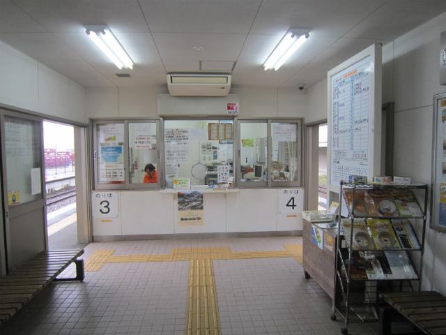 川内おれんじ駅舎内部