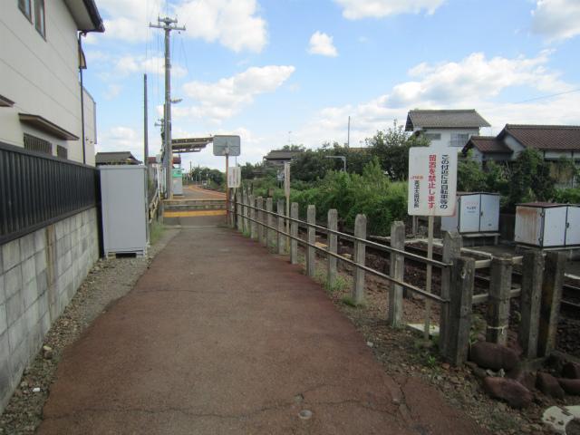 美濃川合駅入り口