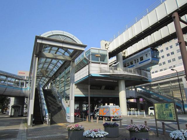 千葉市役所前駅舎