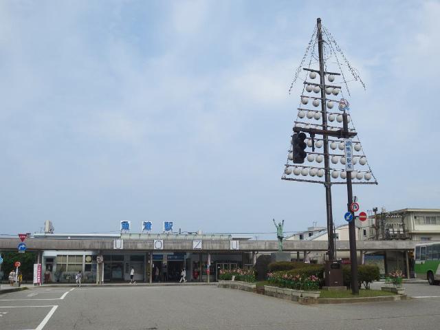魚津 駅舎2