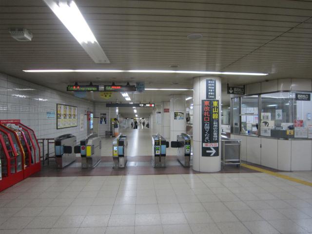 名駅桜通西改札
