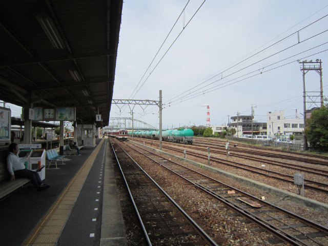 塩浜駅構内