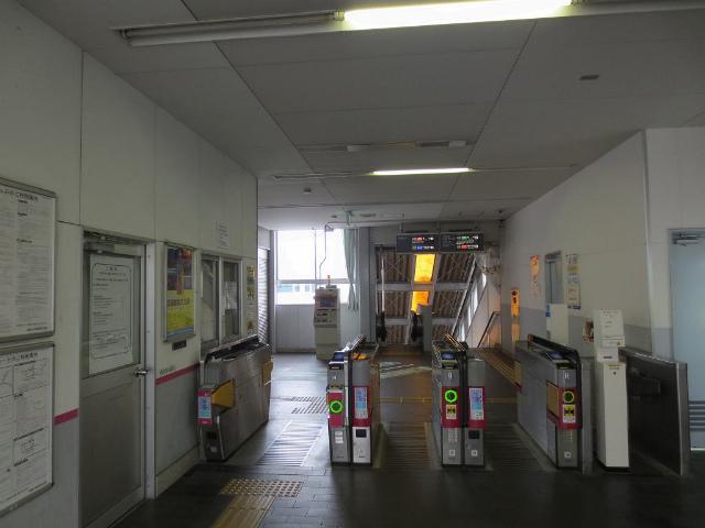 生駒 奈良線西改札