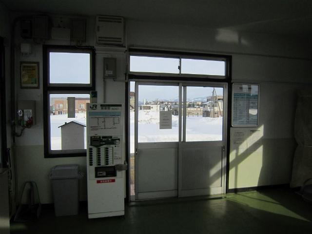 北新井駅舎内部