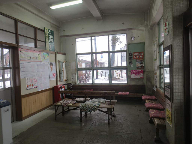 上滝 駅舎内部