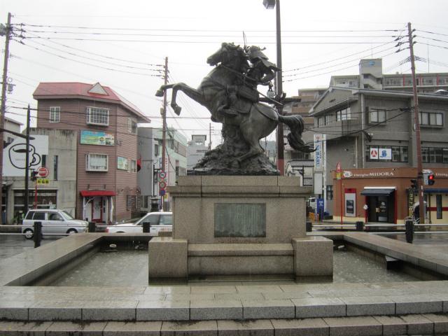 伊集院銅像