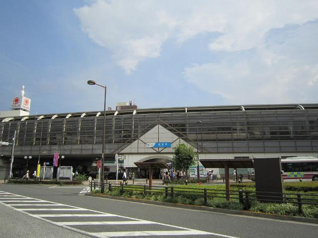 経堂北口駅舎