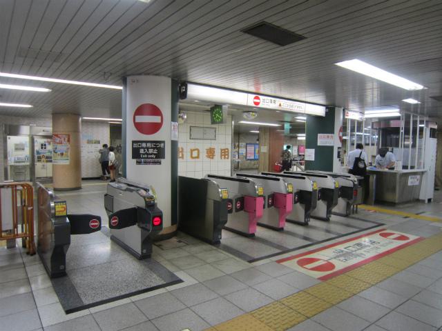 巣鴨三田線出口