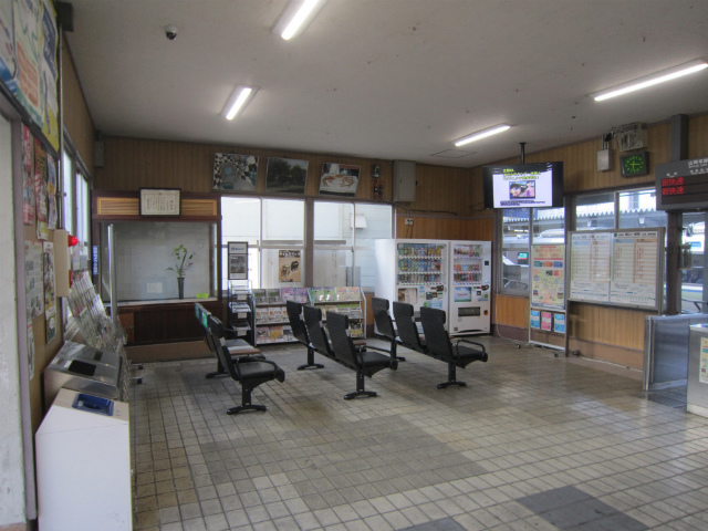 上郡駅舎内部