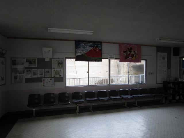 名立駅舎内部3