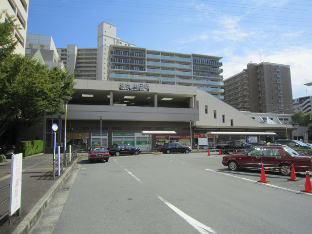 山田阪急駅舎