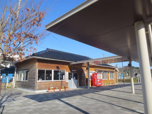 本津幡 駅舎