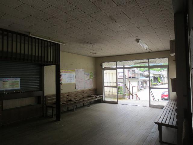 本宮 駅舎内部