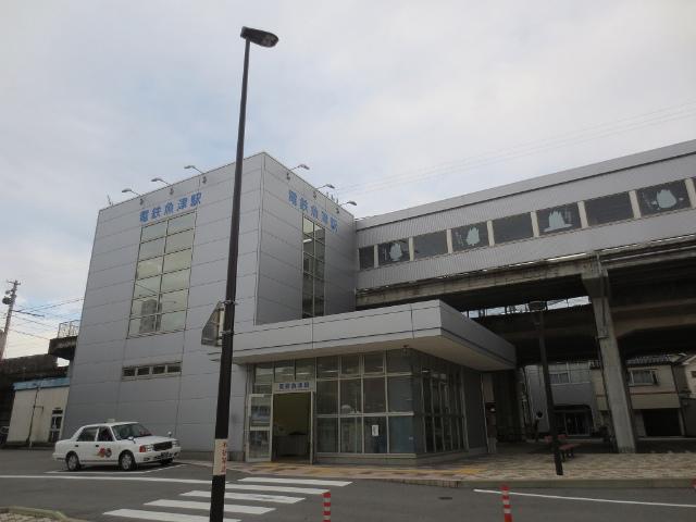 電鉄魚津 駅舎