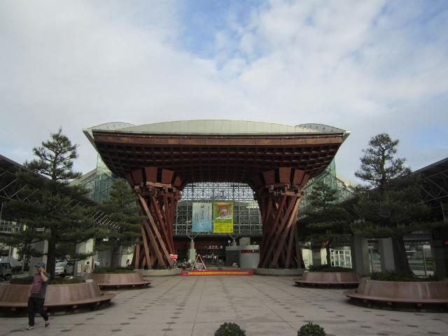 金沢東口駅舎