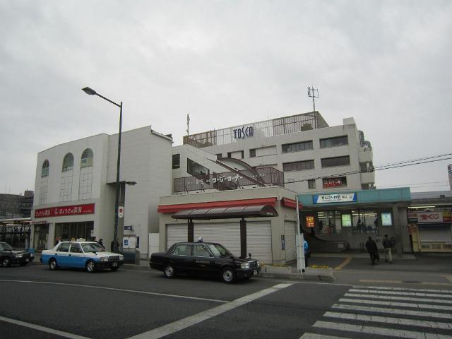 せんげん台東駅舎