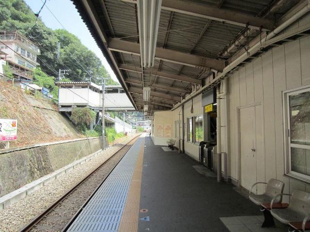 上野原ホーム駅舎2