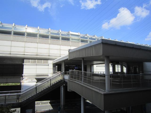 山田モノレール駅舎