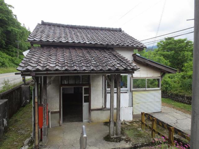 千垣 駅舎