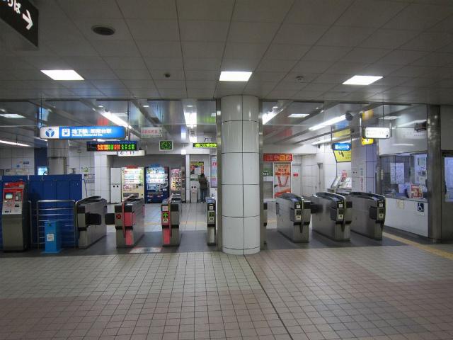 湘南台地下鉄改札