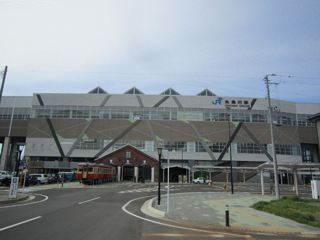 糸魚川新幹線駅舎