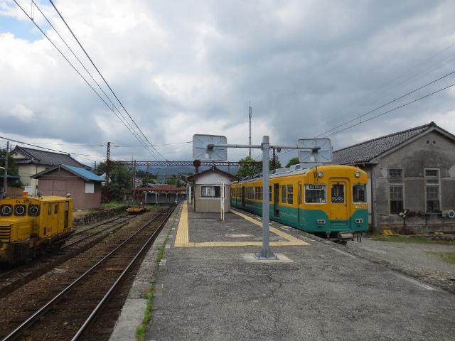 岩峅寺 上滝ホーム1