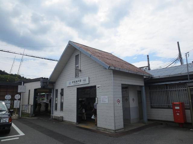 伊賀神戸 駅舎