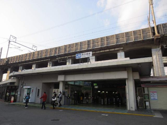 西大路 駅舎