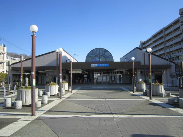 唐木田駅舎