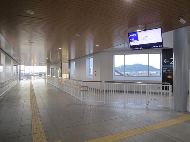 稲枝駅舎内部