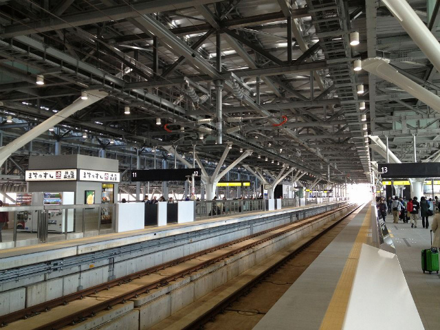 富山新幹線ホーム