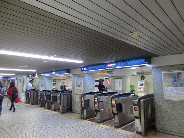 北浜 京阪出口