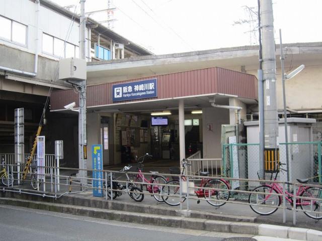 神崎川駅舎