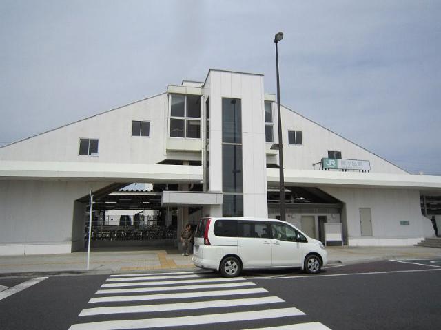 間々田駅舎
