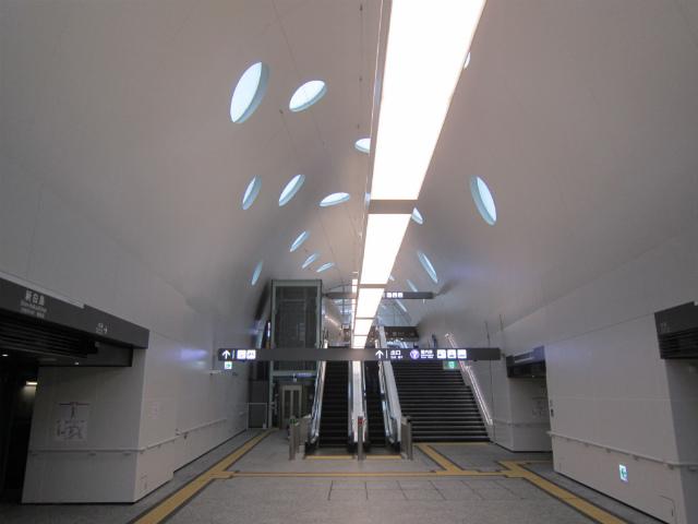 新白島駅舎内部