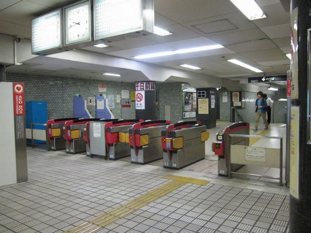 鶴橋(地下鉄)東口