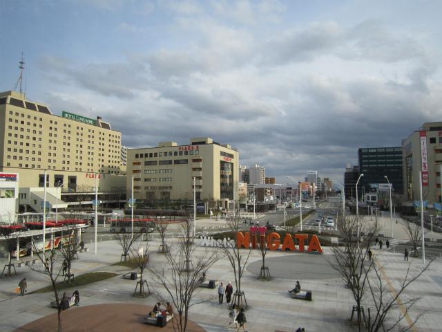 新潟南駅前広場