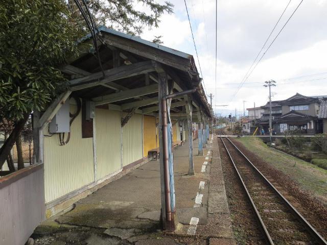 榎町 ホーム