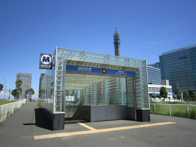 新高島駅舎