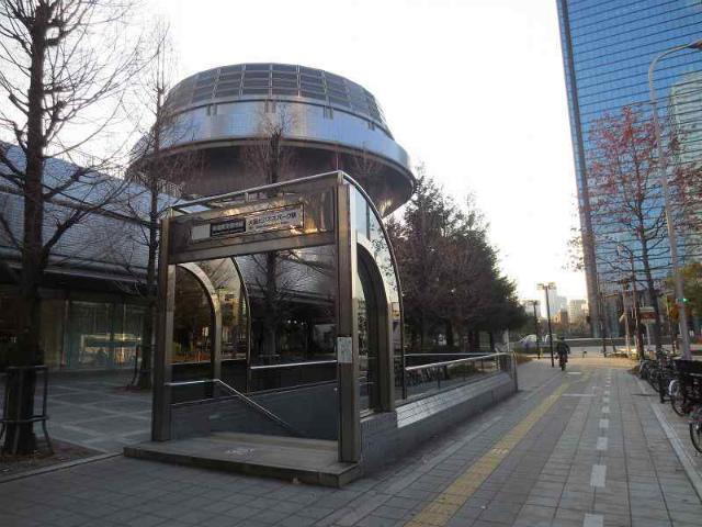 大阪ビジネスパーク 駅舎