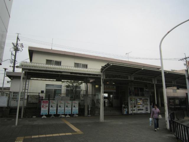 西桑名駅舎