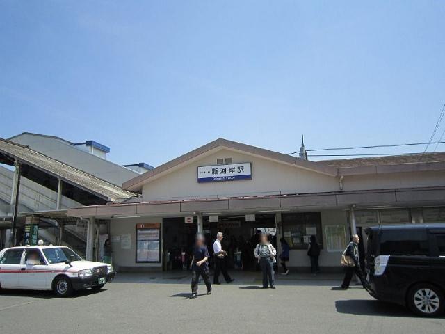 新河岸駅舎