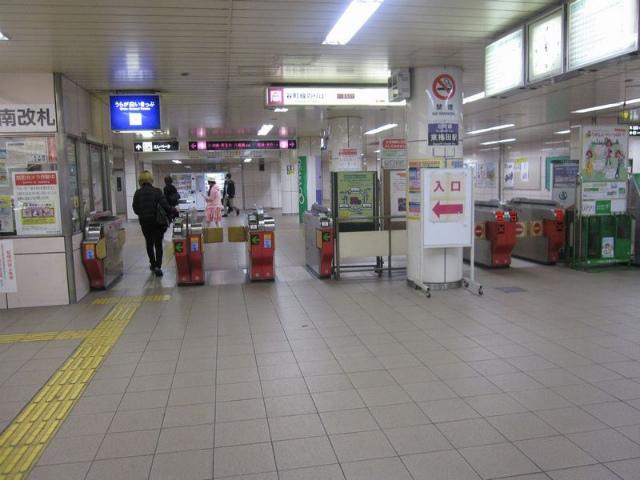 東梅田駅 南