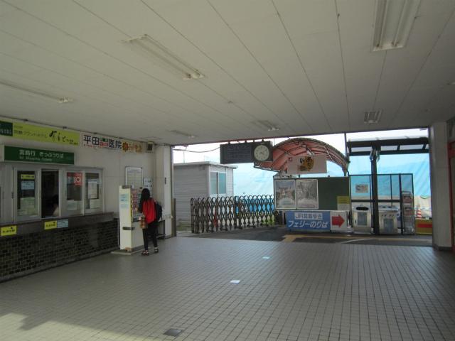 宮島口桟橋jr駅舎内部
