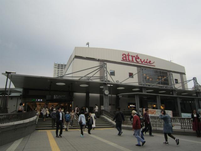 三鷹南駅舎