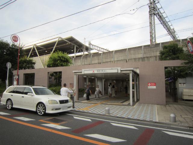 多摩川西口駅舎