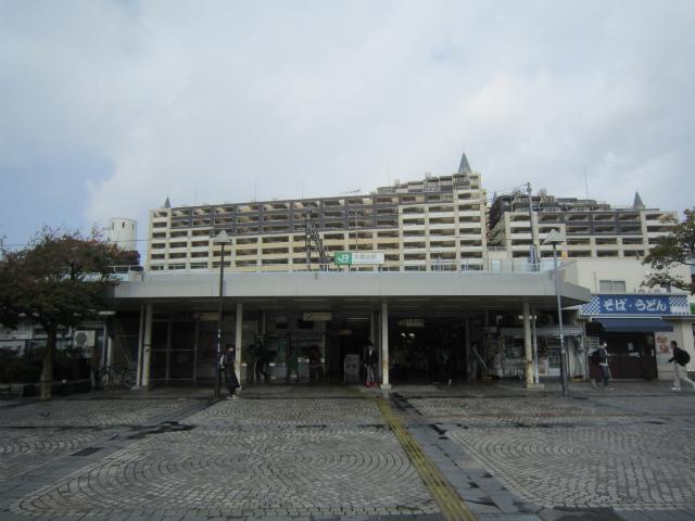 本郷台駅舎
